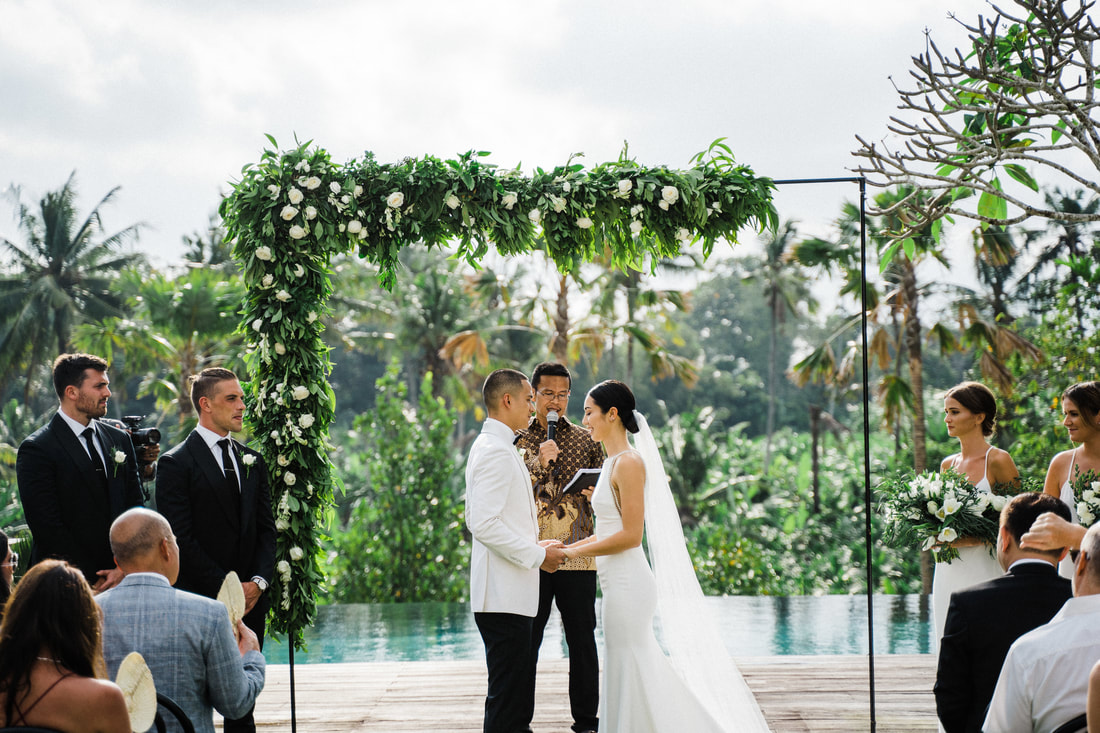 Getting married in Bali with a tropical backdrop
